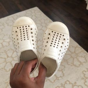 White native shoes size 6